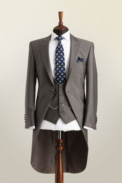 Image Source - http://whitfieldandward.co.uk/wedding-suit-hire/morning-suits/silver-morning-suit/